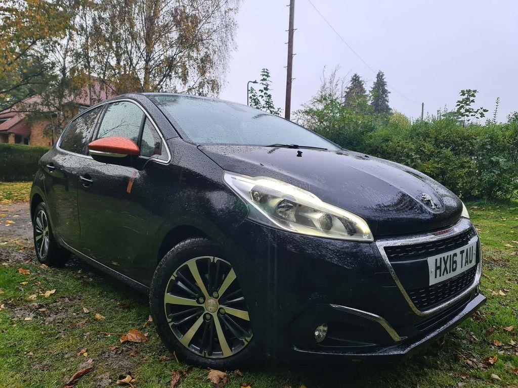 Peugeot 208 Hatchback 1.2 PureTech Roland Garros (s/s) 5dr