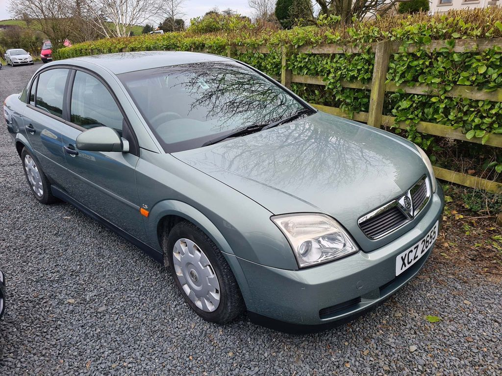Vauxhall Vectra Saloon 1.8 i 16v Club 4dr