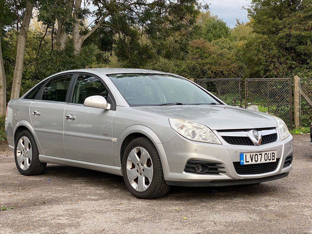 Vauxhall Vectra Hatchback 2.2 i 16v Elite 5dr