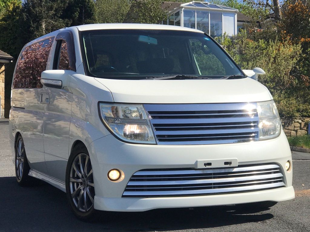 Nissan Elgrand MPV HIGH WAY STAR 2.5 cc