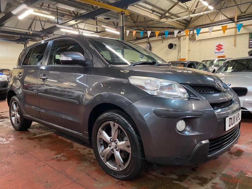 Toyota Urbancruiser Hatchback 1.4 D-4D AWD 5dr (EU5)