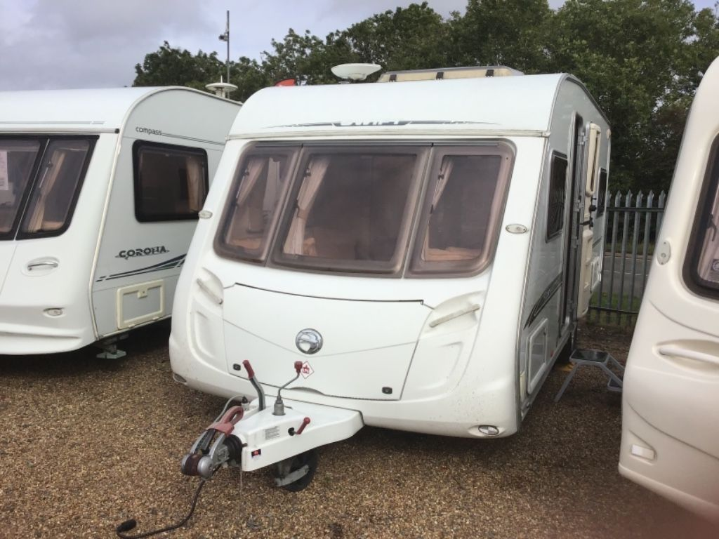 Swift Challenger Tourer Two fixed single beds
