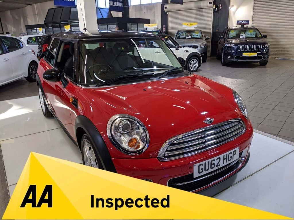 MINI Hatch Hatchback 2.0 Cooper D (Sport Chili) 3dr