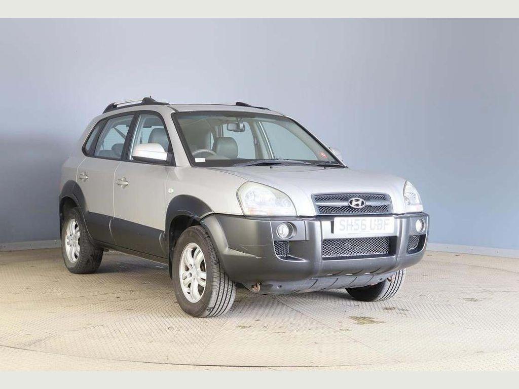 Hyundai Tucson SUV 2.0 16v CDX 4WD 5dr