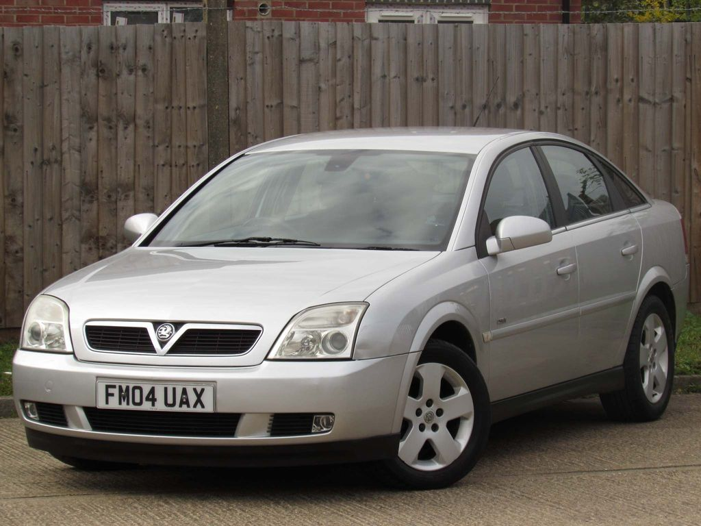 Vauxhall Vectra Hatchback 2.2 DTi 16v Design 5dr
