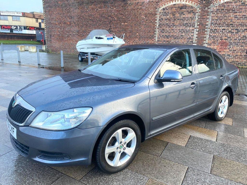 SKODA Octavia Hatchback 1.6 TDI CR SE 5dr