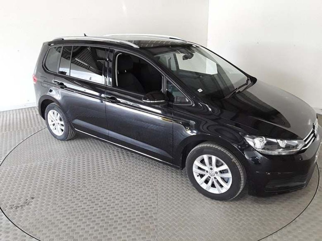 Volkswagen Touran MPV 2.0 TDI BlueMotion Tech SE Family DSG (s/s) 5dr