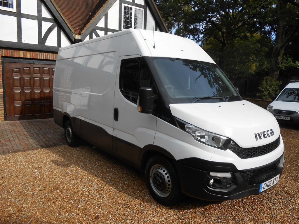 Iveco Daily Panel Van 2.3 TD 13V Plus 35S 3000 4dr