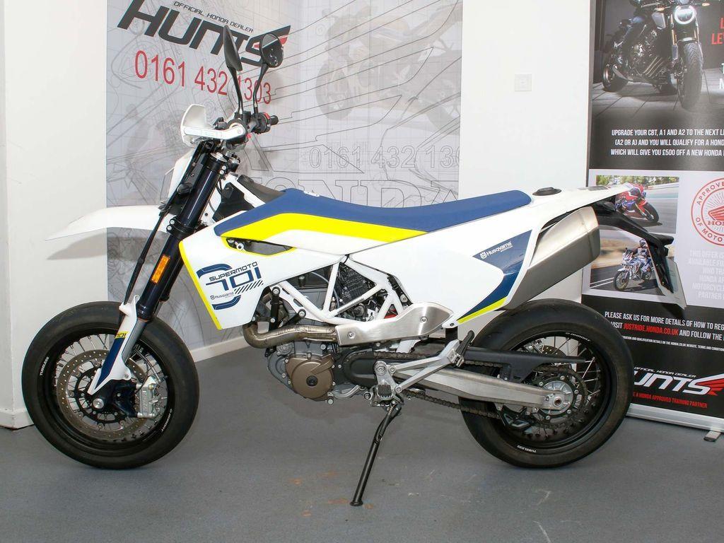 Husqvarna 701 Super Moto 700 Supermoto ABS Super Moto