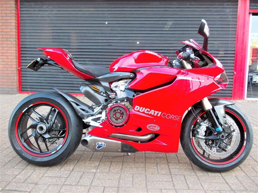 Ducati 1199 Panigale Super Sports ABS