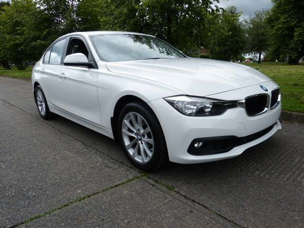 BMW 3 Series Saloon 2.0 320i SE (s/s) 4dr