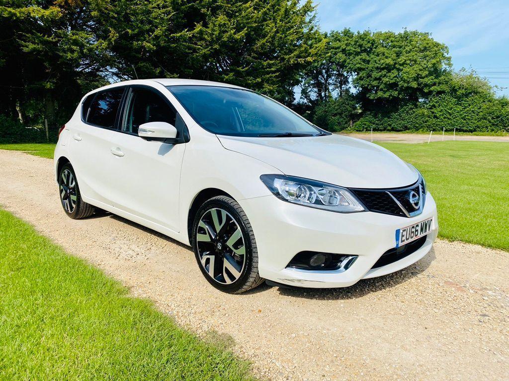 Nissan Pulsar Hatchback 1.5 dCi Tekna (s/s) 5dr