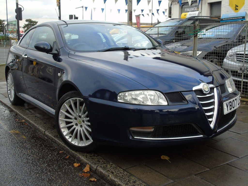Alfa Romeo GT Coupe 2.0 JTS Lusso 2dr