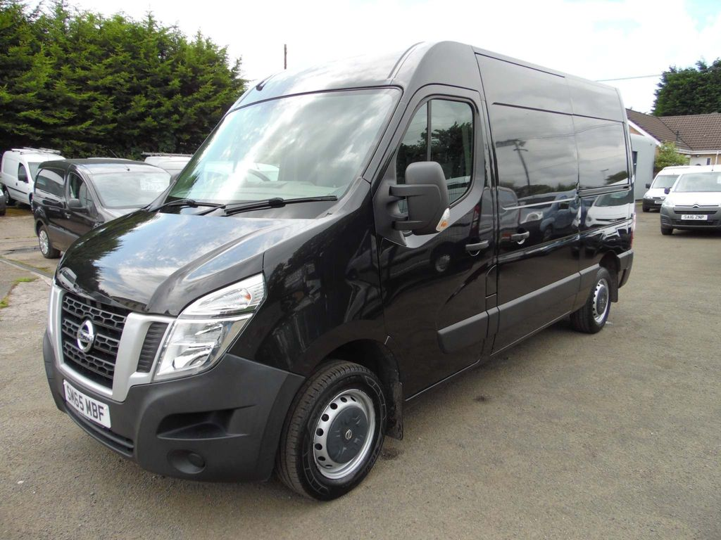 Nissan NV400 Panel Van 2.3 dCi 33 E L2H2 FWD L2 Medium Roof EU5 5dr