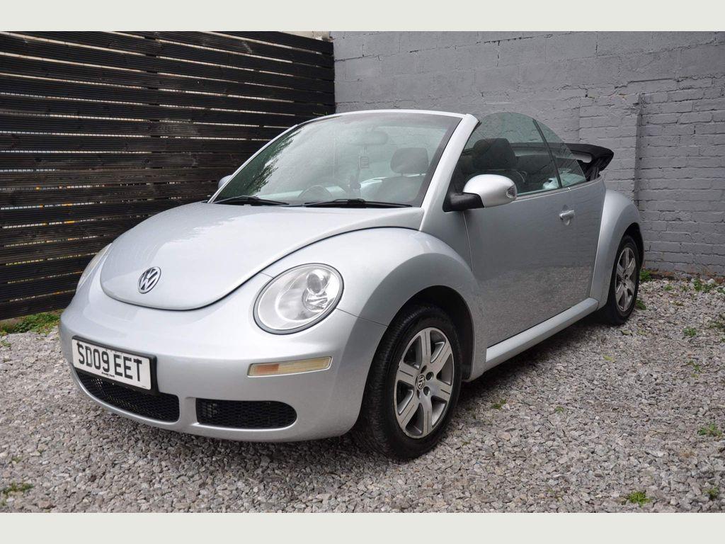 Volkswagen Beetle Convertible 1.6 Luna Cabriolet 2dr
