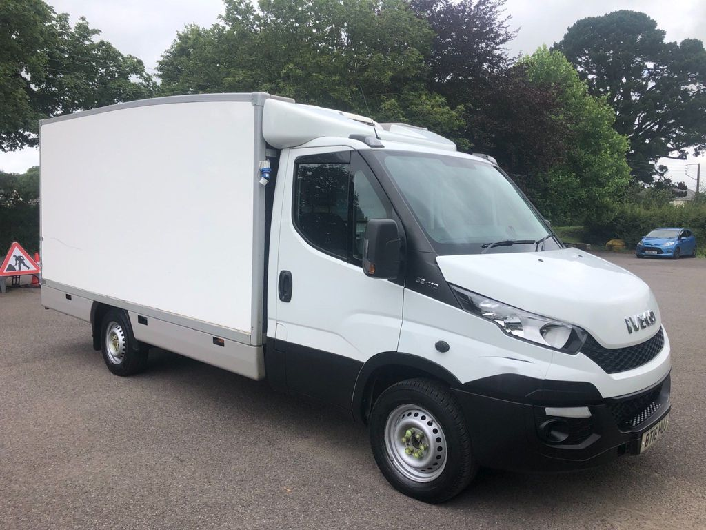 Iveco Daily Chassis Cab 2.3 TD 12V 35S 4100 Double Cab Chassis Cab HiMatic RWD 4dr
