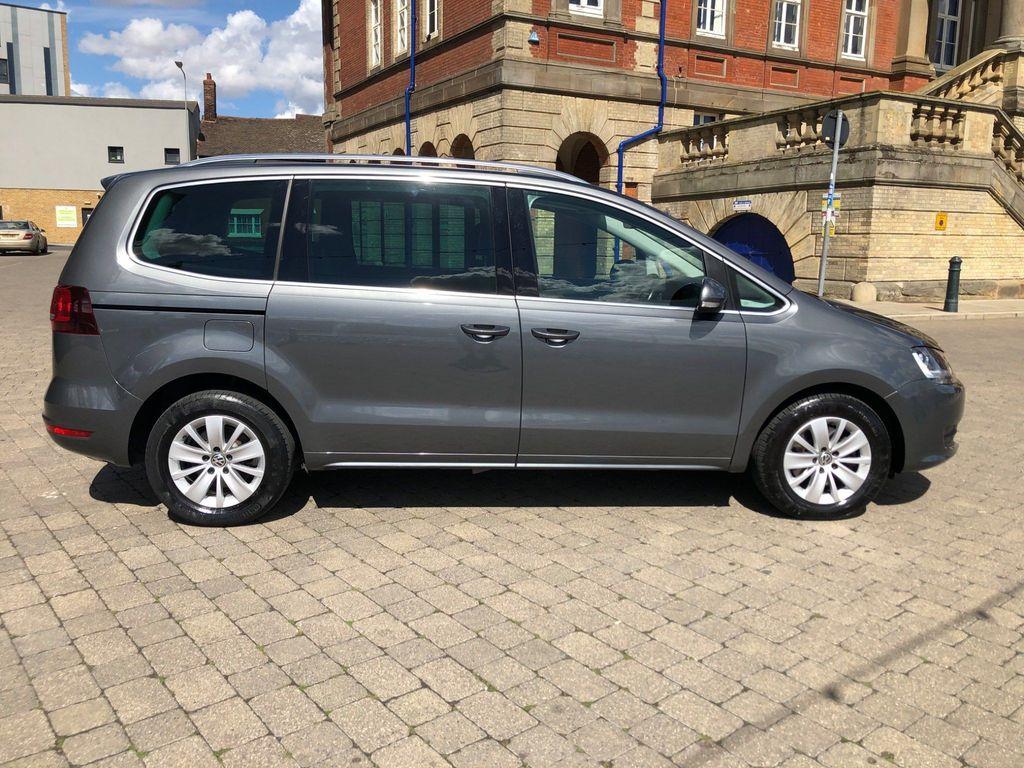 Volkswagen Sharan MPV 2.0 TDI BMT SE DSG (s/s) 5dr