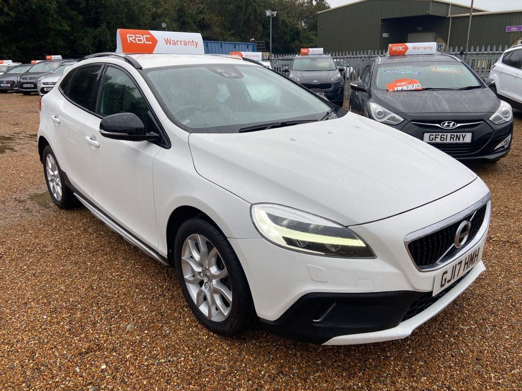 Volvo V40 Cross Country Hatchback 2.0 D4 Pro Cross Country Auto (s/s) 5dr