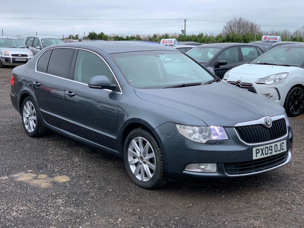 SKODA Superb Hatchback 2.0 TDI PD SE 5dr