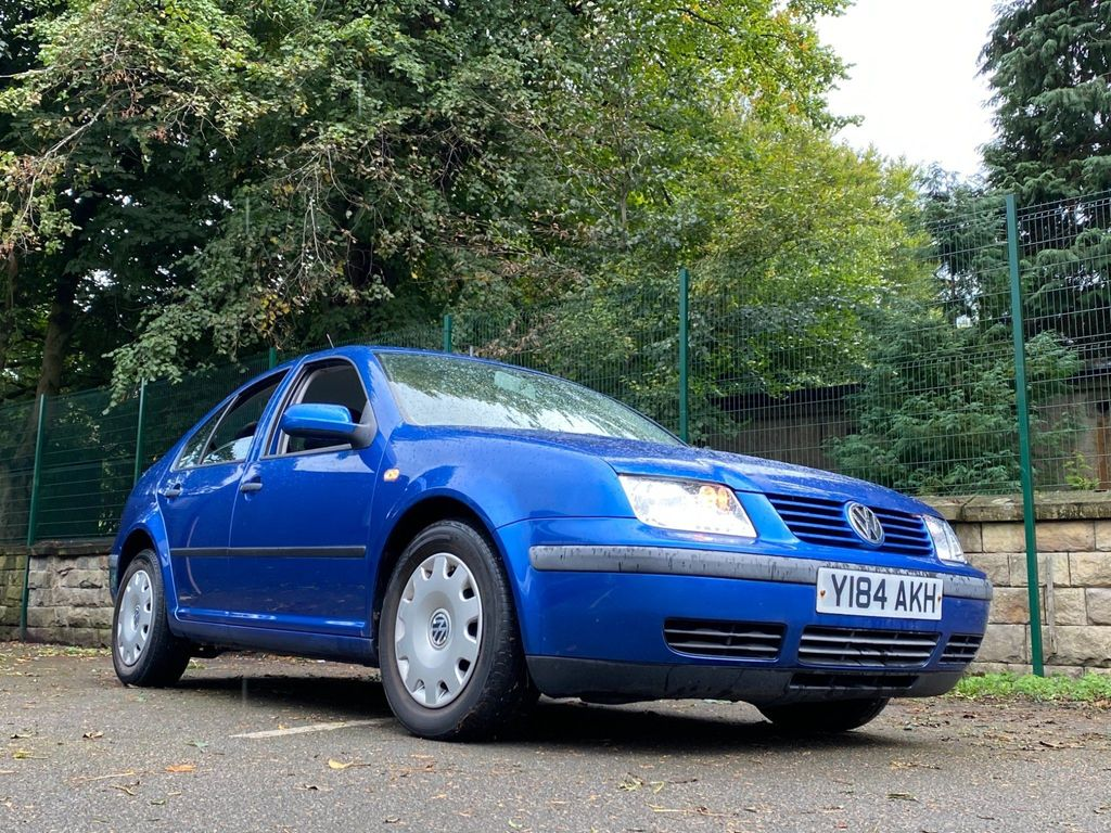 Volkswagen Bora Saloon 2.0 S 4dr