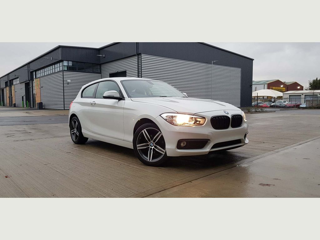 BMW 1 Series Hatchback 1.5 118i SE Sports Hatch (s/s) 3dr