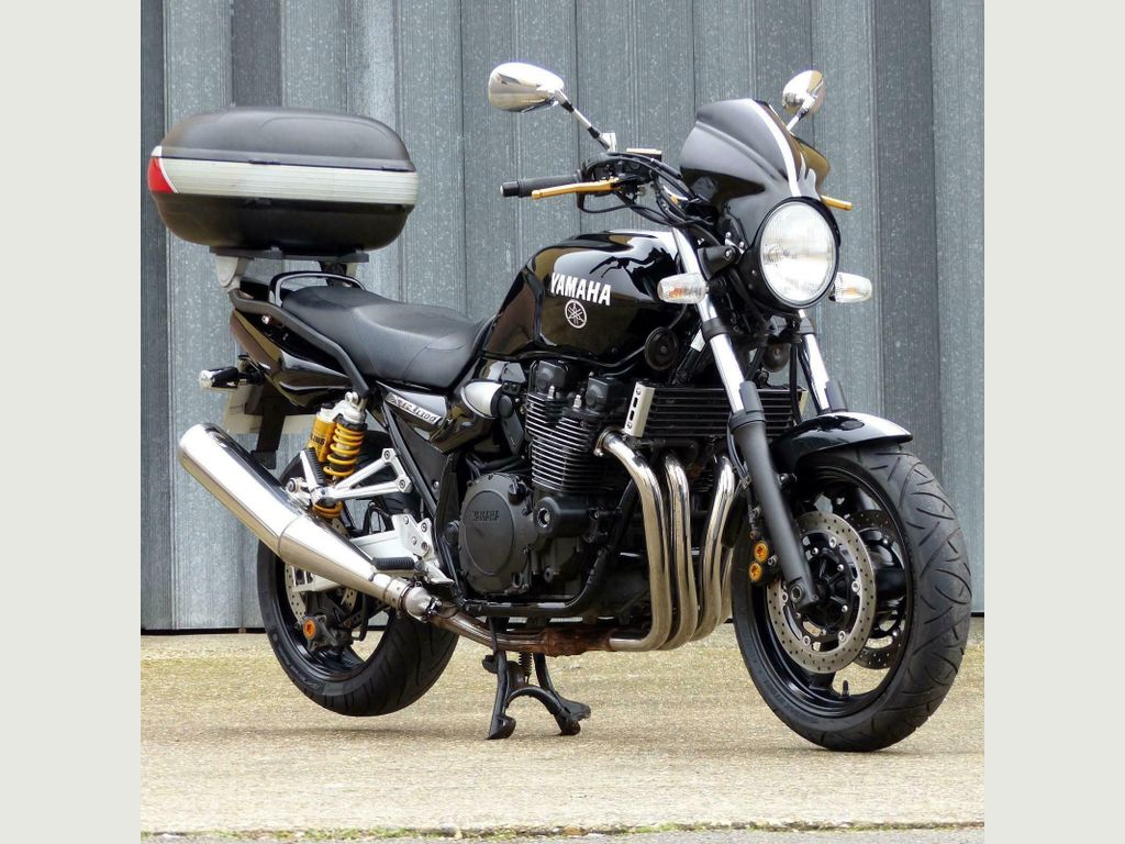YAMAHA XJR1300 Sports Tourer {Edition unlisted}