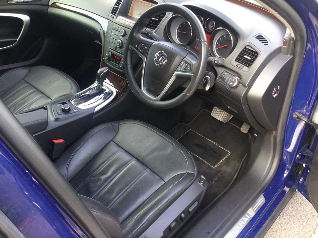 Vauxhall Insignia Hatchback 2.0 i 16v Turbo Elite 5dr