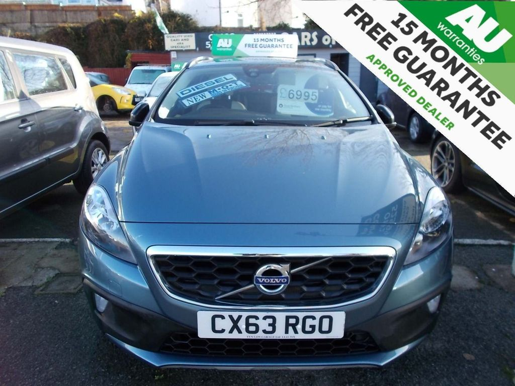 Volvo V40 Cross Country Hatchback 1.6 D2 SE Nav Cross Country (s/s) 5dr