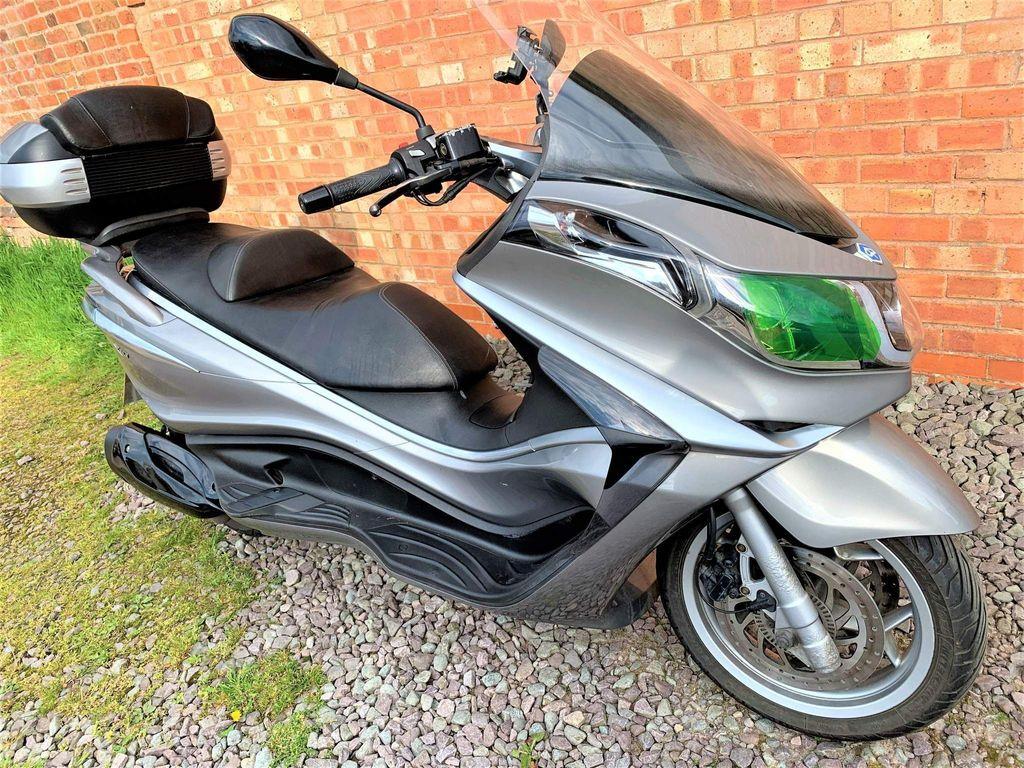 Piaggio X10 Scooter 350
