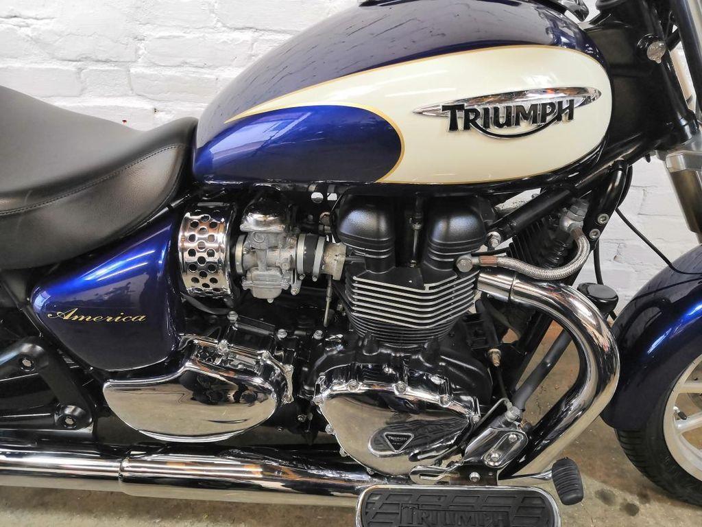 Triumph America Roadster/Retro