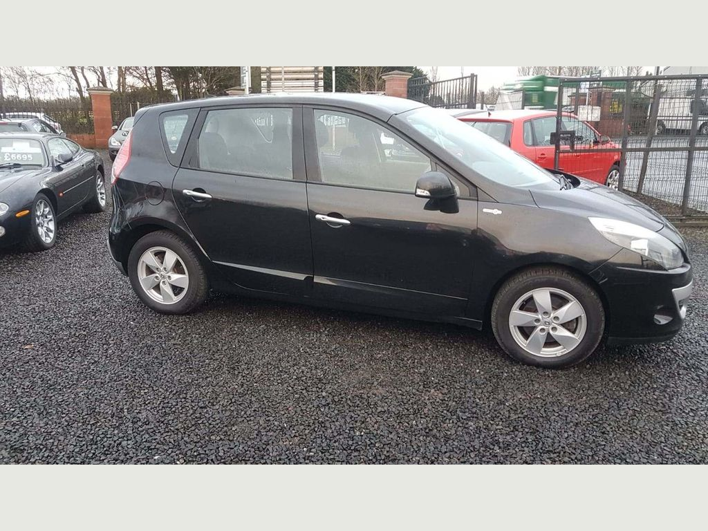 Renault Scenic MPV 1.9 dCi Dynamique 5dr (Tom Tom)