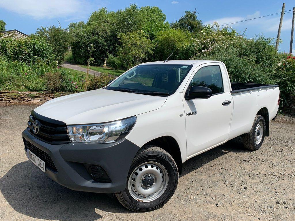 Toyota Hilux Pickup 2.4 D-4D Active 4WD EU6 2dr (3.5t)