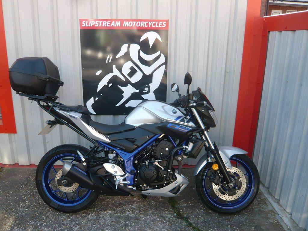 Yamaha MT-03 Naked ABS Naked