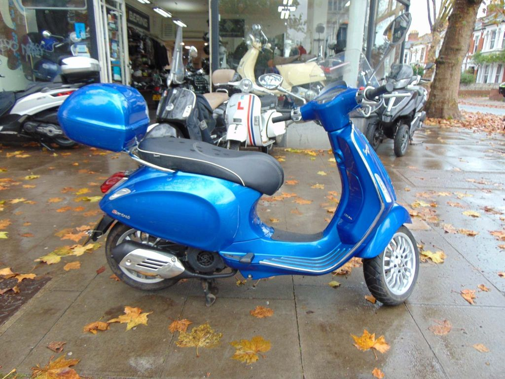Piaggio Vespa Sprint Scooter 125 3v ABS Scooter