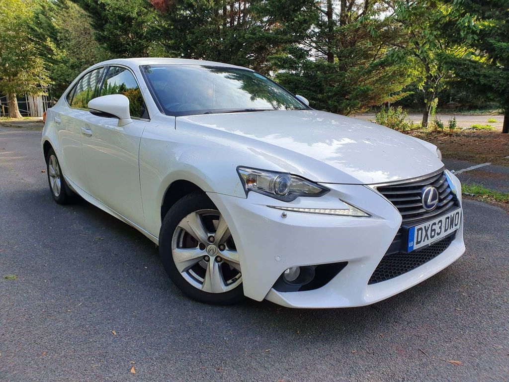 Lexus IS 300 Saloon 2.5 SE E-CVT 4dr