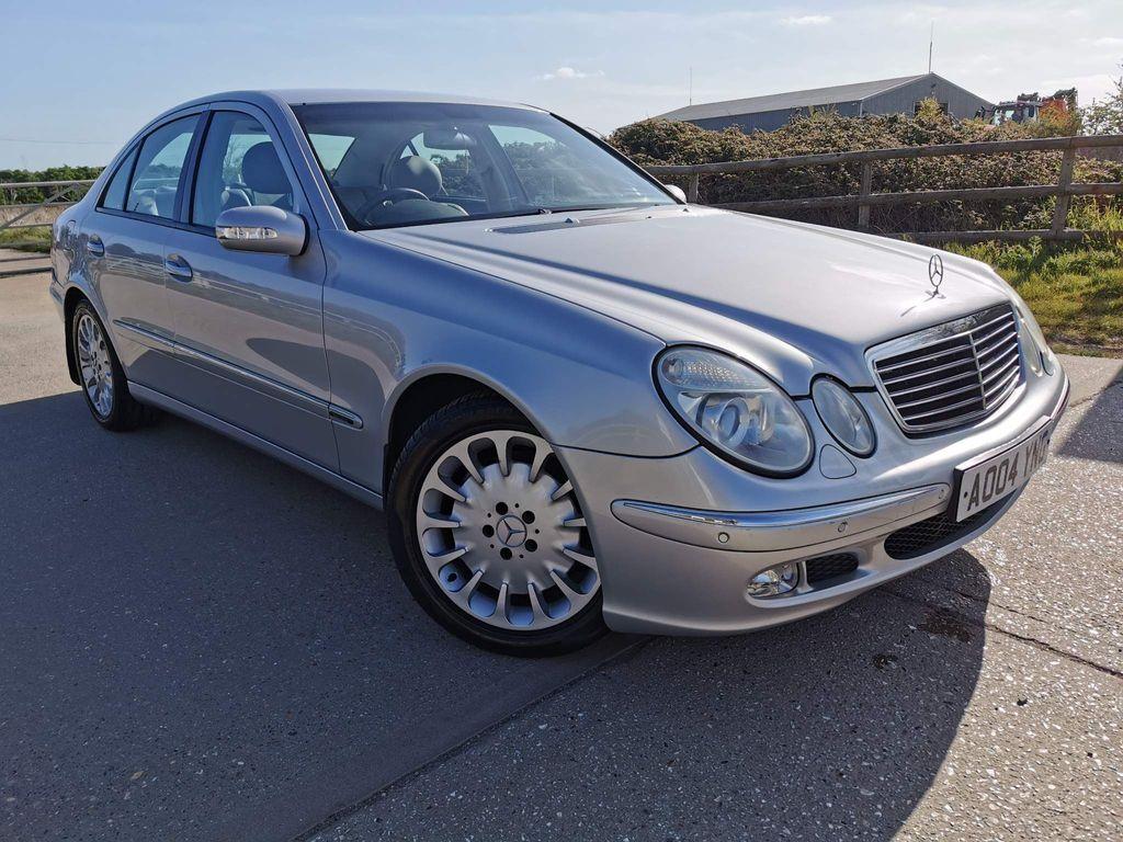 Mercedes-Benz E Class Saloon 5.0 E500 Elegance 7G-Tronic 4dr
