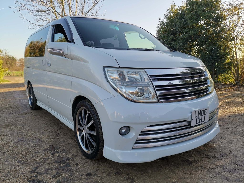 Nissan Elgrand MPV AUTOTECH 2.5 HIGHWAY STAR 8 SEATER AUTO