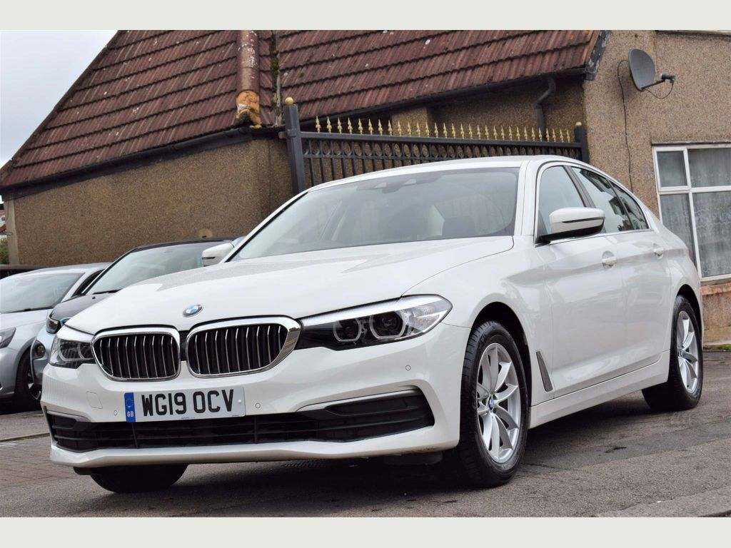 BMW 5 Series Saloon 2.0 520d SE Auto (s/s) 4dr