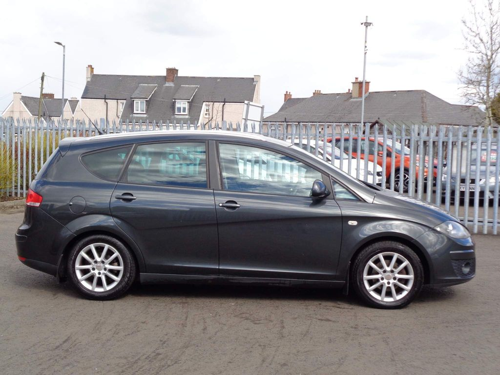 SEAT Altea XL MPV 1.6 TDI Ecomotive CR SE 5dr