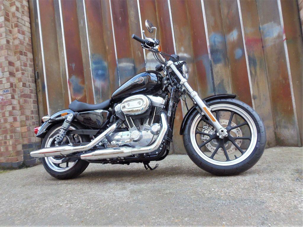 Harley-Davidson Sportster Custom Cruiser 883 XL Sportster SuperLow