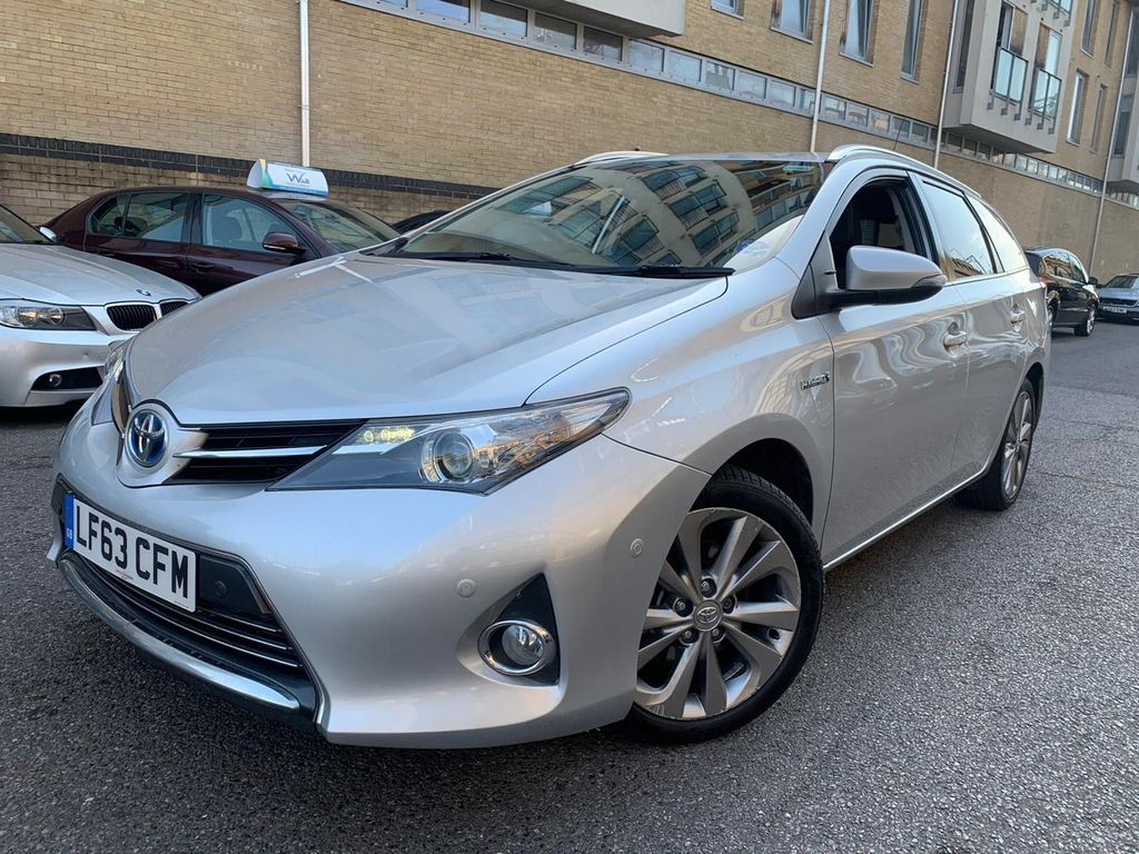 Toyota Auris Estate 1.8 VVT-h Icon e-CVT HSD 5dr
