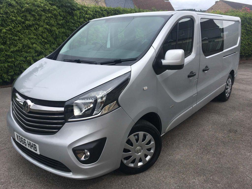Vauxhall Vivaro Combi Van 1.6 CDTi 2900 BiTurbo Sportive Crew Van L2 H1 EU6 (s/s) 5dr (6 Seat)
