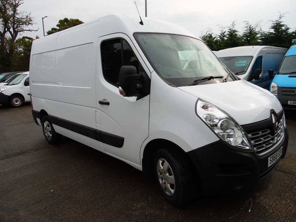 Renault Master Panel Van 2.3 dCi 35 Business+ FWD MWB Medium Roof EU6 5dr