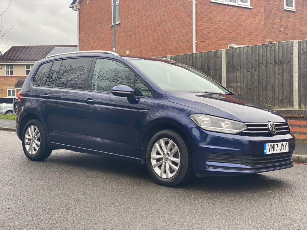 Volkswagen Touran MPV 2.0 TDI BlueMotion Tech SE Family DSG (s/s) 5dr