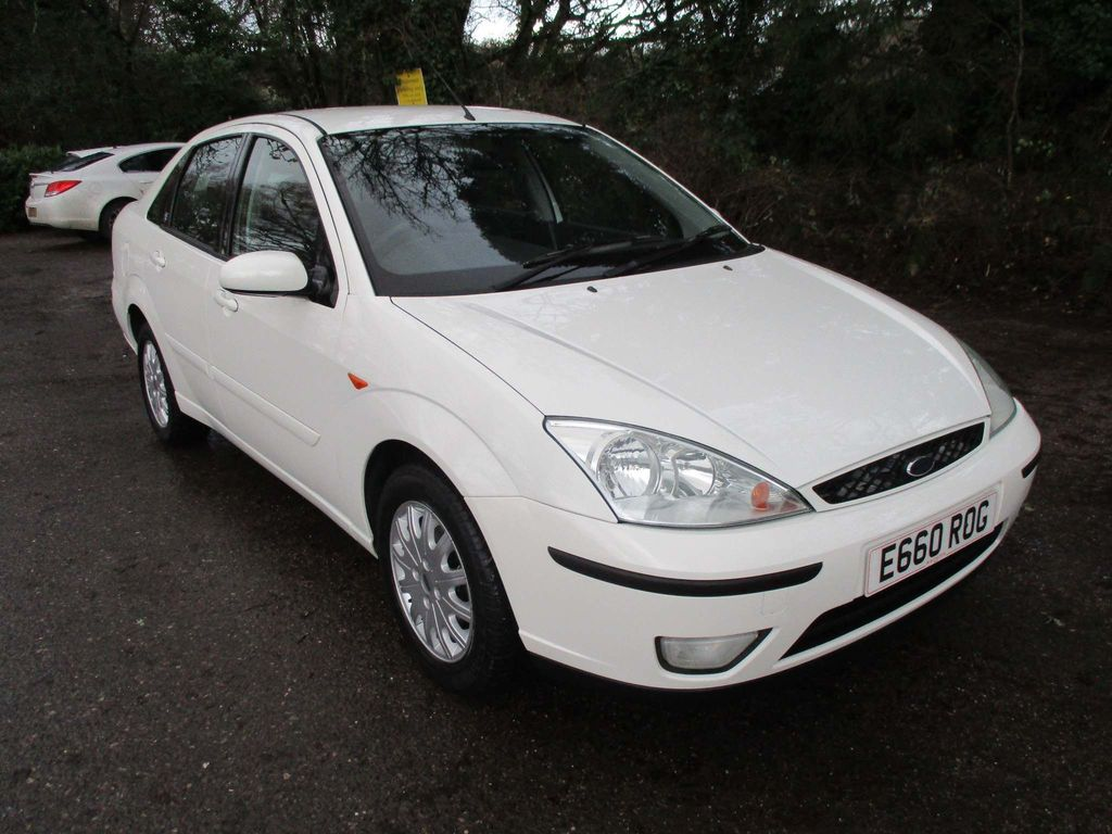 Ford Focus Saloon 1.8 i 16v Ghia 4dr