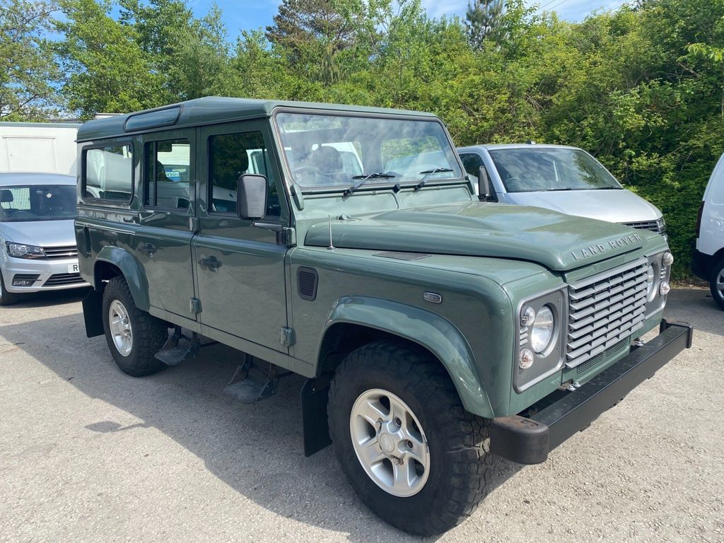 Land Rover Defender 110 SUV 2.2D DPF County Station Wagon MWB 5dr