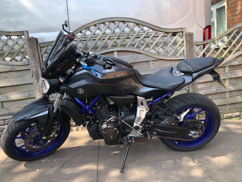 Yamaha MT-07 Naked Naked