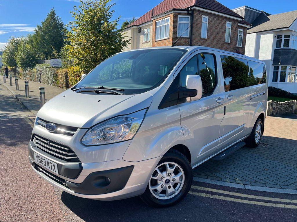 Ford Tourneo Custom Minibus 2.2 TDCi 300 Titanium Low Roof Bus S 5dr (8 Seats, SWB)