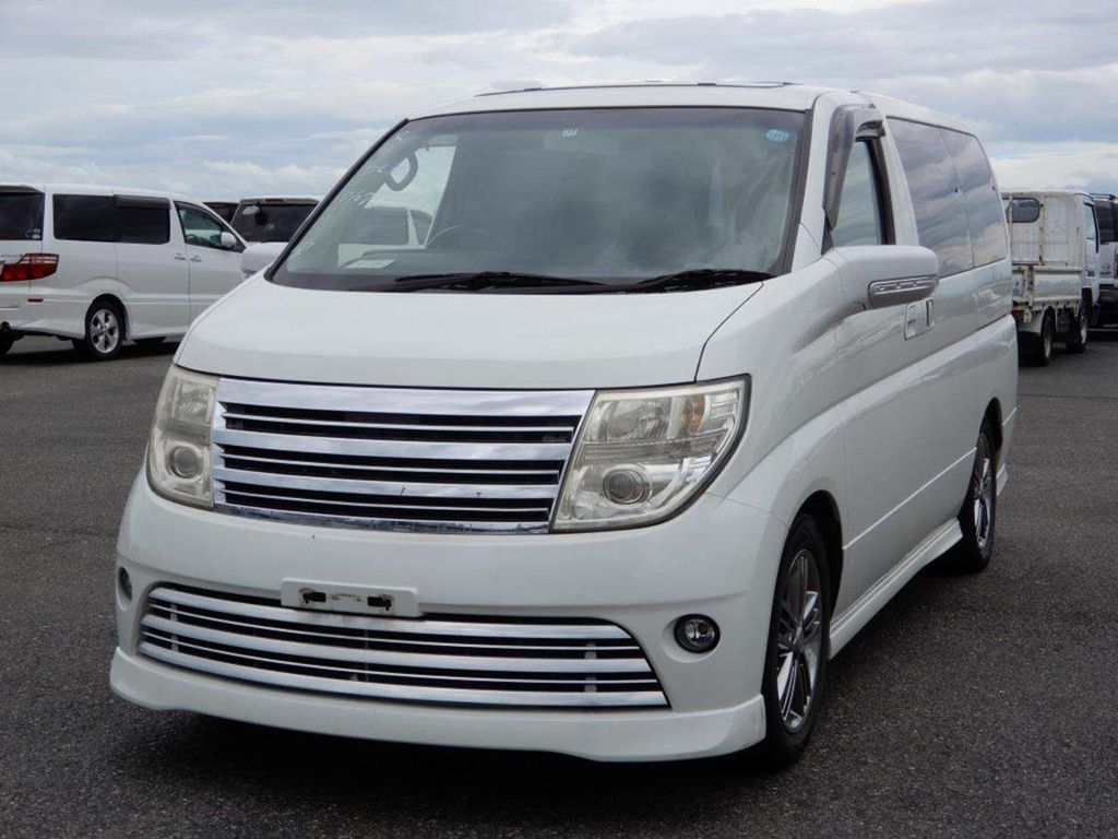Nissan Elgrand MPV RIDER 4WD SUNROOFS IMMACULATE
