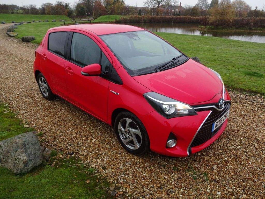 Toyota Yaris Hatchback 1.5 VVT-h Icon E-CVT 5dr (Safety Sense)